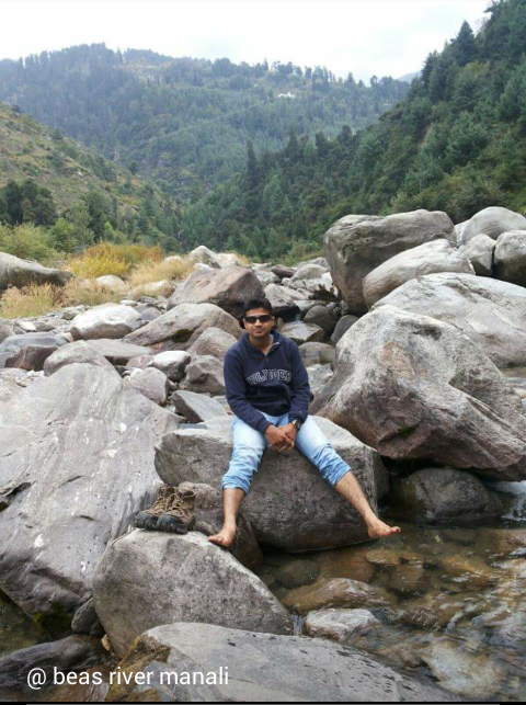 vineel kanth at Beas river - Manali