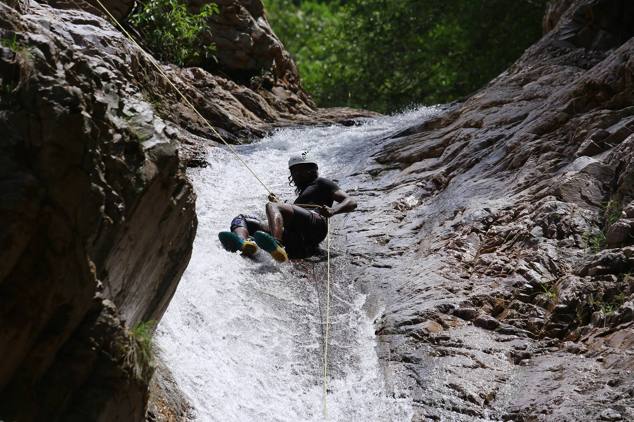 Pravin Kumar - Sliding rappel in Nagalapuram Canyon